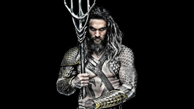 Jaon Momoa interpreta a Aquaman