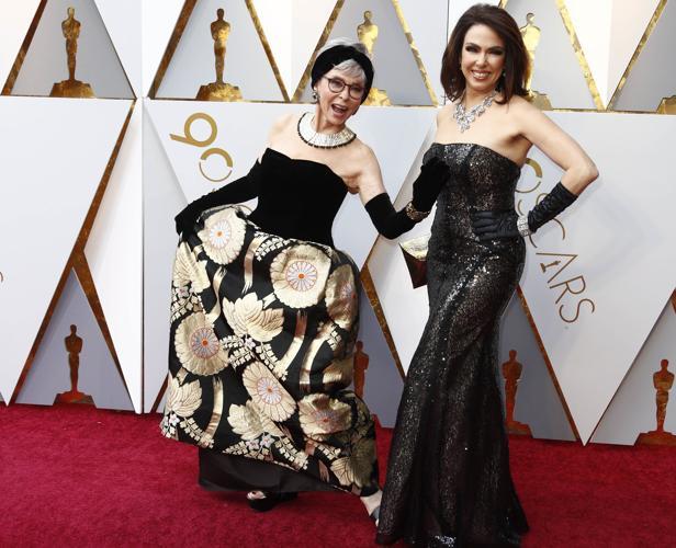 Rita Moreno y Fernanda Luisa Gordon en la alfombra roja
