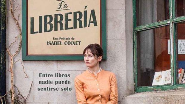 Cartel de «La librería», la película de Isabel Coixet sobre el libro de Penelope Fitzgerald