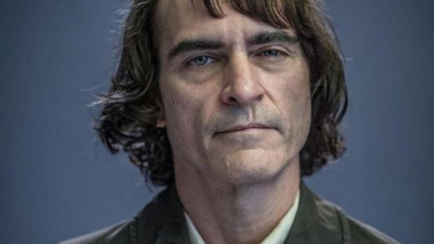 Primera imagen oficial de Joaquin Phoenix como el Joker