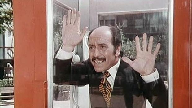 José Luis López Vázquez, atrapado en «La cabina»