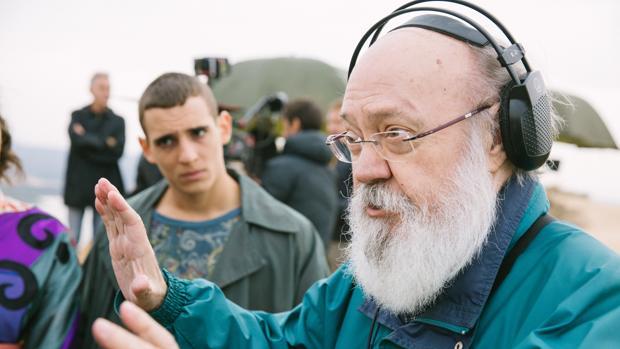 José Luis Cuerda, durante el rodaje de «Tiempo después»