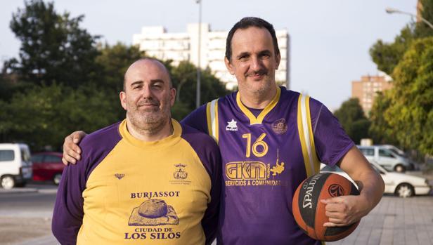 Ray Torres, con Paco, jugador del Aderes