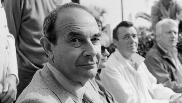 El cineasta Stanley Donen, fotografiado en el festival de cine de Cannes, en 1984