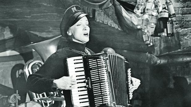 La actriz (y también cantante) Marlene Dietrich fue una de las más seguidas en Alemania