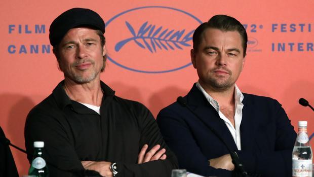 """Brad Pitt y Leonardo DiCaprio durante la rueda de prensa de la película """"Érase una vez Hollywood"""""""