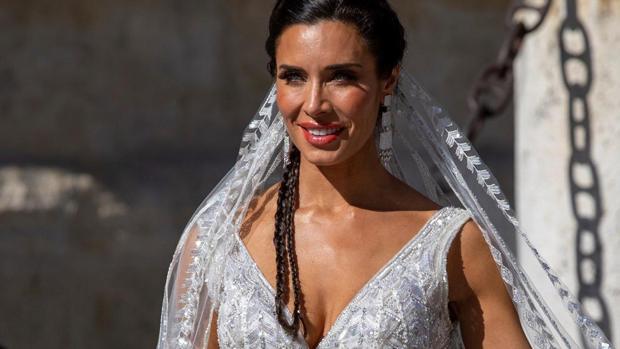 Pilar Rubio, a la llegada a la catedral de Sevilla poco antes de su enlace con Sergio Ramos