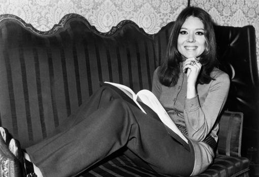 Diana Rigg, en una sesión de fotos en los años setenta