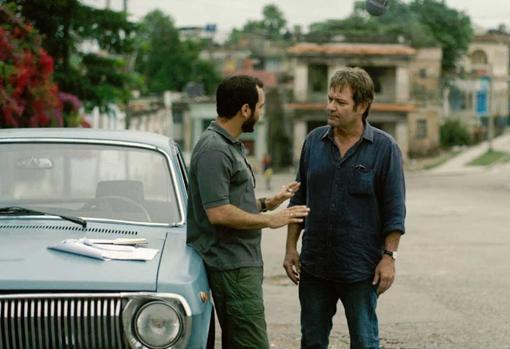 'Cuatro estaciones en La Habana', de Leonardo Padura, fue adaptada a la televisión con cuatro episodios de una hora y media cada uno. Están disponibles en 'A la carta' de RTVE