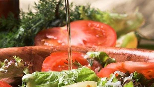 La dieta mediterránea ayuda a prevenir los inartos y los ictus