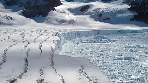 El bloque de hielo «Larsen C» amenazado por una brecha de 130 kilómetros de longitud
