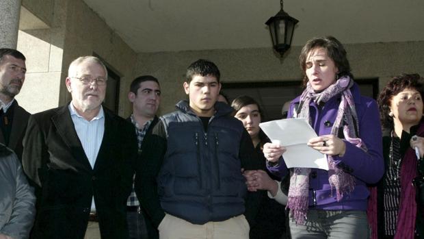 Eln el centro, el hijo de una mujer asesinada en Portas (Pontevedra)