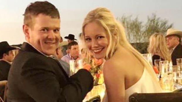 Will Byler III y Bailee Ackerman, durante la celebración de su boda