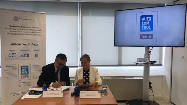 Firma del Convenio de colaboración entre Autocontrol y Fenin