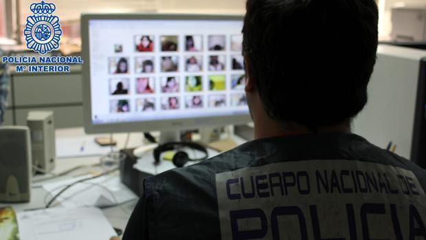 Agentes de la Unidad Central de Ciberdelincuencia revisan miles de archivos pedófilos cada día