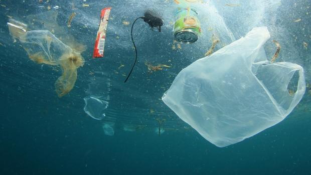 La UE recicla solo una cuarta parte de los 25 millones de toneladas de residuos plásticos que se producen al año
