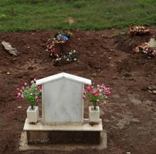 Enterrados por Covid-19 en Soweto. No obstaante, según el presidente Ramaphosa, la tasa de mortalidad por el coronavirus está siendo baja