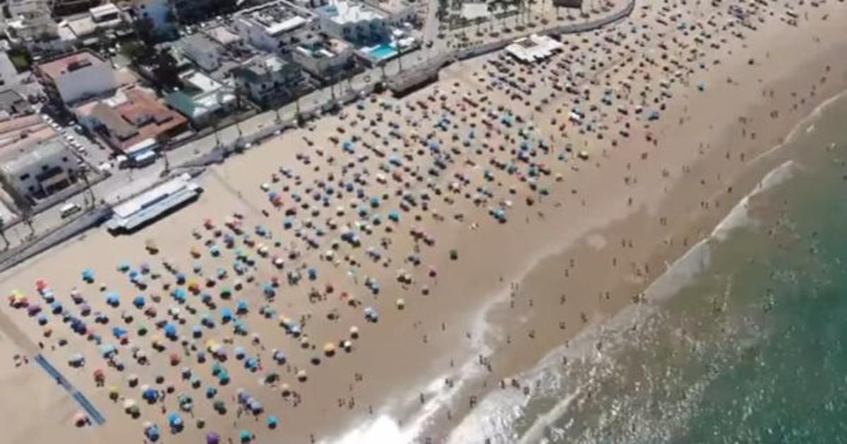 Chipiona, convertida en ejemplo mundial de distancia social en la playa