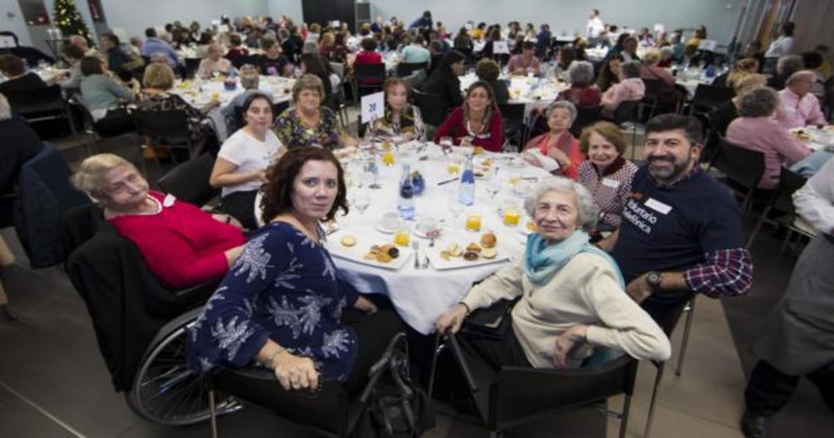 La Cena De Nochebuena Reunirá A Un Máximo De Entre Seis Y Diez Personas A La Mesa