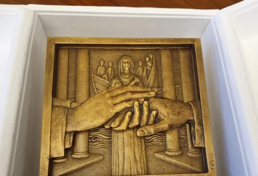 Sánchez regala al Papa el libro de oraciones del obispo Juan Rodríguez de  Fonseca, el gran rival de Colón