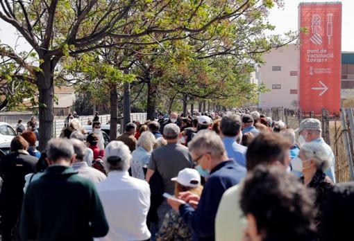 Long queues at the Hospital La Fe in Valencia