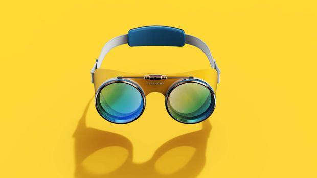 El diseño de las gafas es colorista y retro