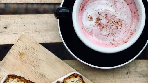 El Pink latte de Alma Café en Barcelona