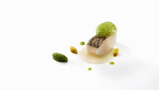 Merluza en salsa verde y piparras a la brasa de El Celler de Can Roca