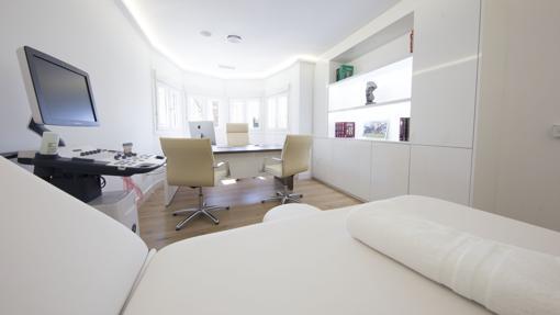 Uno de los espacios de la clínica ITYOS en Madrid