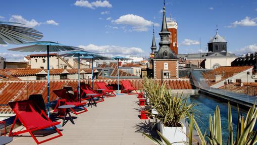 La piscina de la azotea del hotel Pestana Plaza Mayor de Madrid