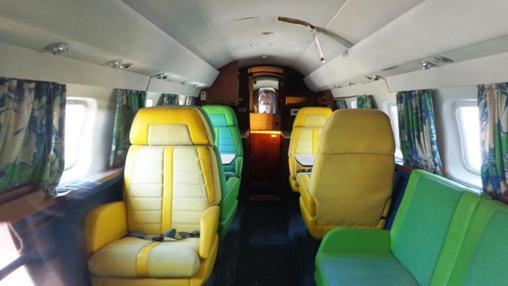 Interior del avión privado del rey del rock