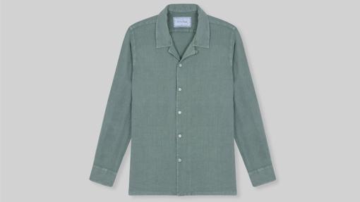 Camisa de lino verde oliva, de Maour Studio (69,90€)