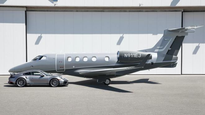 The exclusive The Duet pack consisting of a Porsche and a private jet