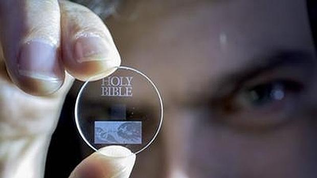 ¿La memoria del futuro? Crean un disco duro de cuarzo con una vida ilimitada