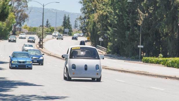 Detalle del prototipo de coche autónomo de Google (ahora Alphabet)