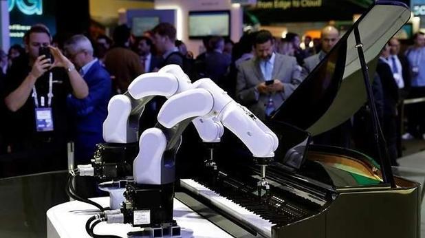 Detalle del robot pianista de ZTE