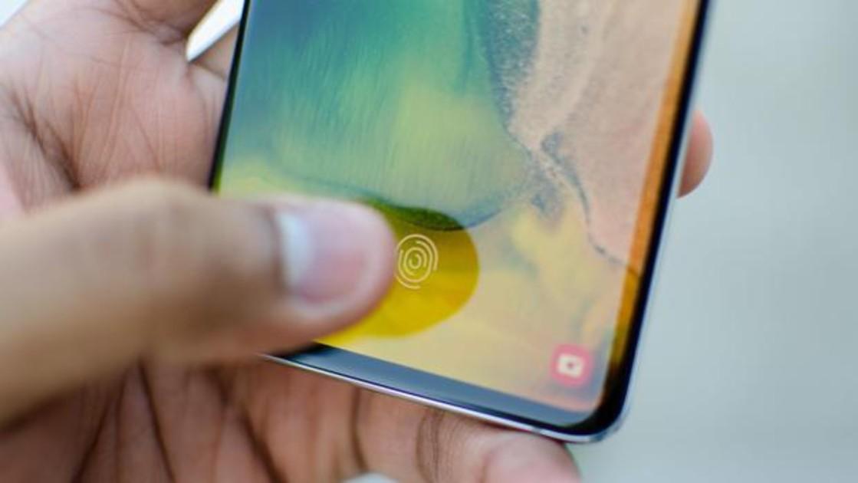 Cuidado si tienes el Samsung Galaxy S10: un fallo permite a cualquiera desbloquearlo