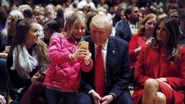 Donald Trump quiere que los iPhone tengan otra vez el botón de inicio