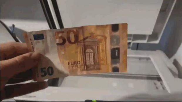 Esto es lo que pasa cuando intentas fotocopiar un billete de 50 euros