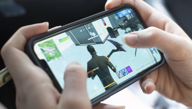 La justicia de EE.UU. rechaza obligar a Apple a readmitir el juego Fortnite en su tienda de aplicaciones